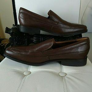 Clarks men's brown Tilden free slip-on loafer
